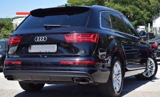 Audi Q7  272 CP   - 38300 €,   79995 km,  anul 2016,  culoare negru