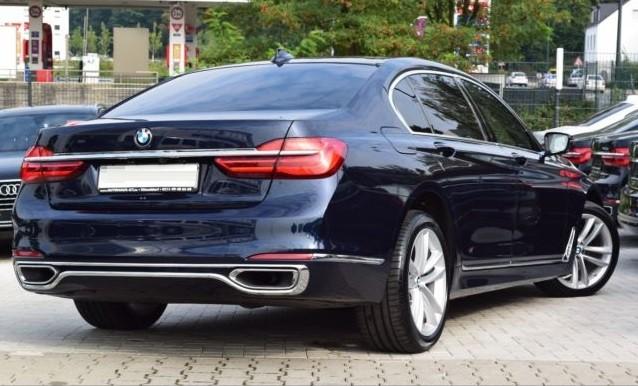 BMW 740  320 CP   - 50969 €,   77772 km,  anul 2017,  culoare negru