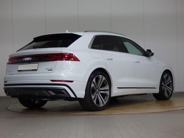 Audi Q7  286 CP   - 72350 €,   15 km,  anul 2018,  culoare alb