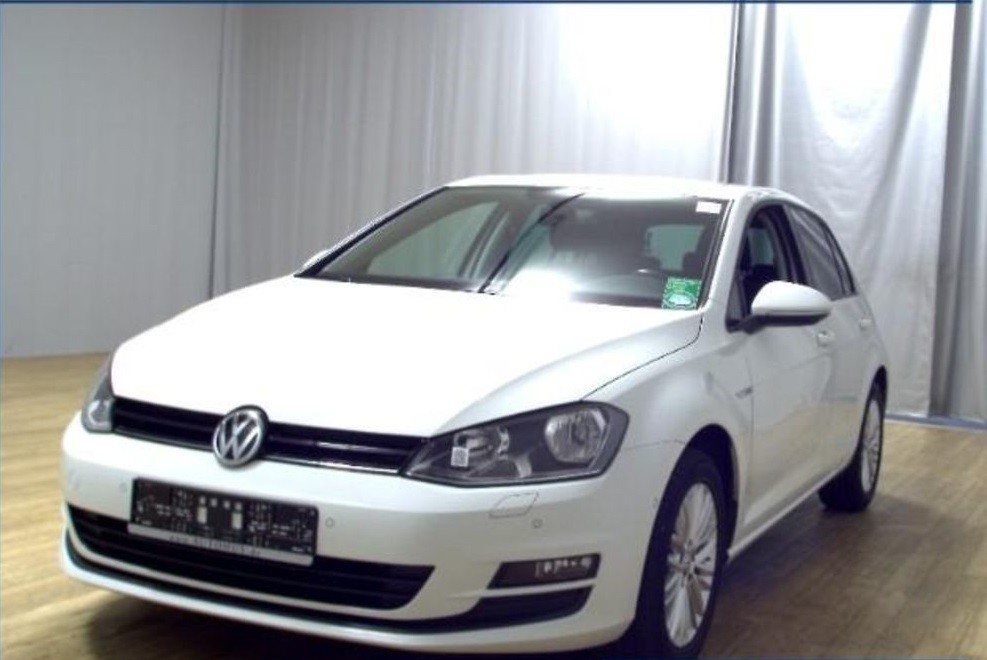 Volkswagen Golf  105 CP   - 12209 €,   120207 km,  anul 2015,  culoare alb