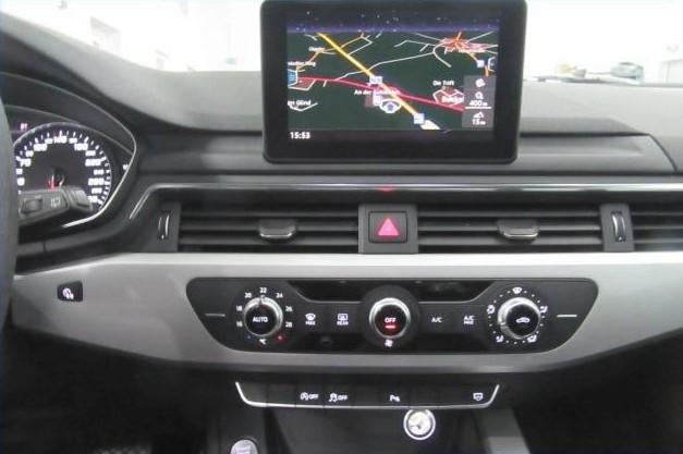 Audi A4  150 CP   - 16989 €,   152380 km,  anul 2016,  culoare negru