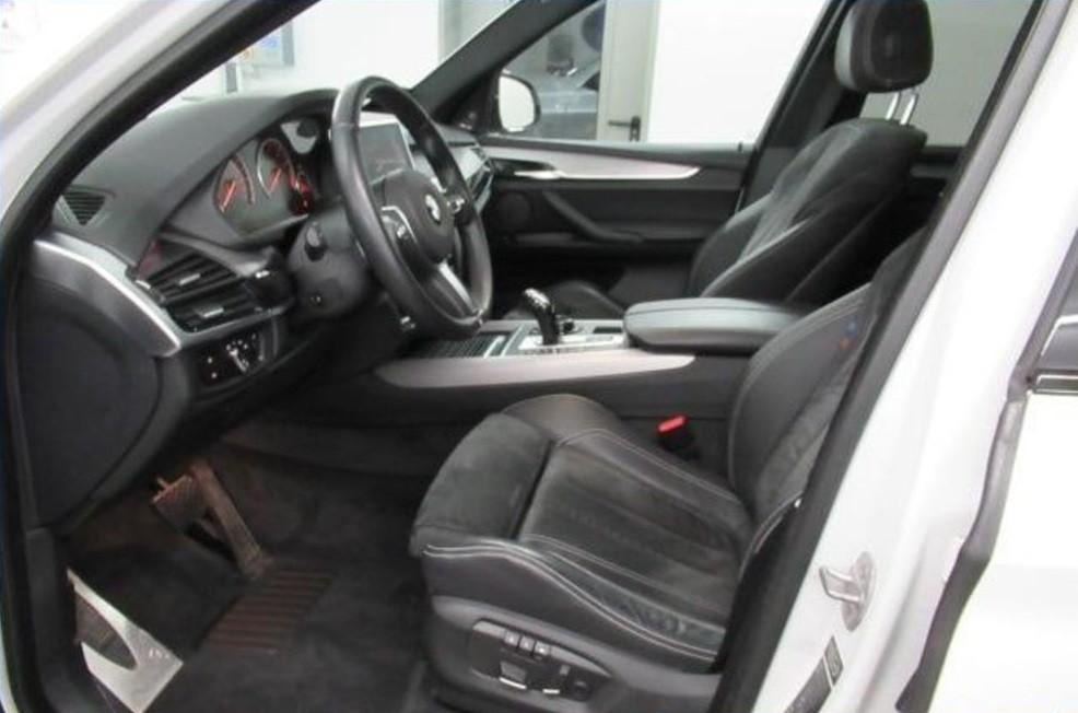 BMW X5  306 CP   - 35238 €,   81055 km,  anul 2014,  culoare negru