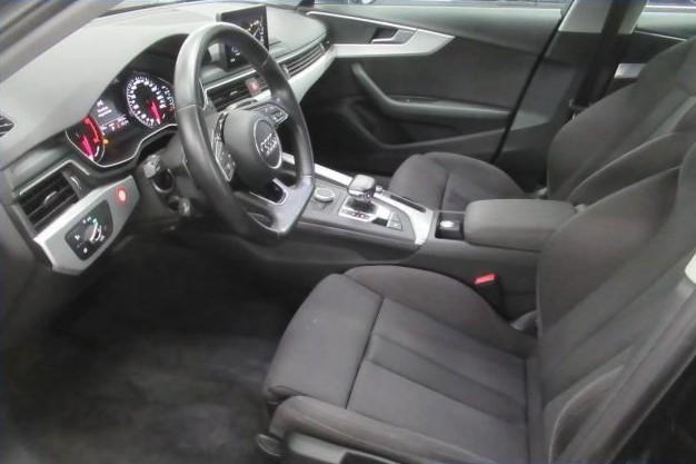 Audi A4  190 CP   - 21283 €,   136018 km,  anul 2018,  culoare negru