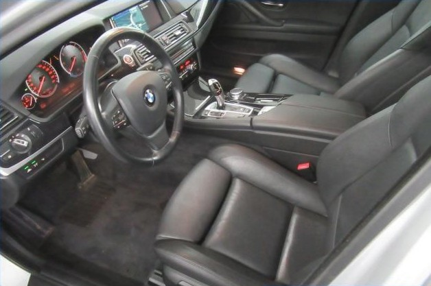 BMW 520  190 CP   - 19814 €,   118397 km,  anul 2015,  culoare gri
