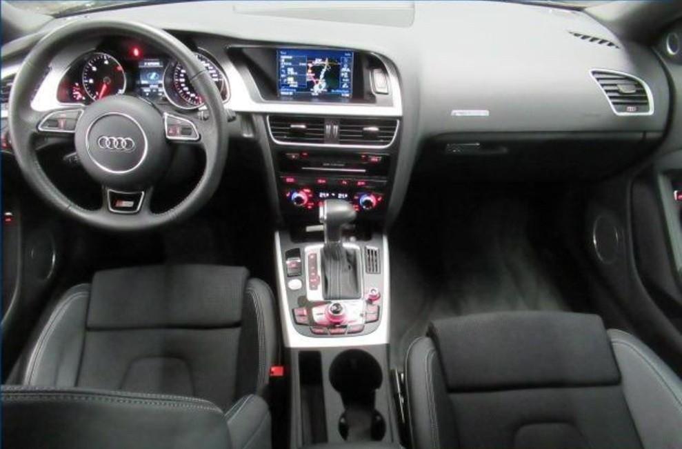 Audi A5  218 CP   - 24463 €,   53532 km,  anul 2016,  culoare negru
