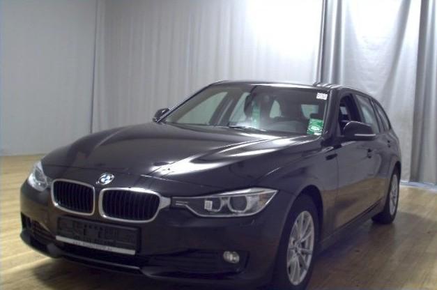 BMW 320  184 CP   - 15260 €,   83679 km,  anul 2014,  culoare negru