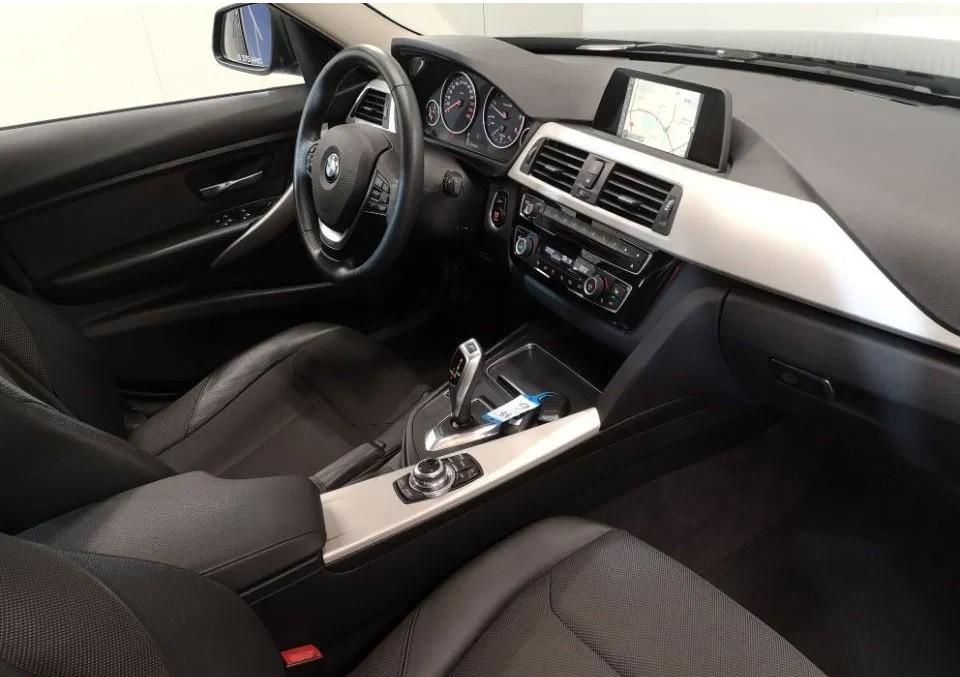 BMW 320  190 CP   - 19990 €,   66900 km,  anul 2016,  culoare negru