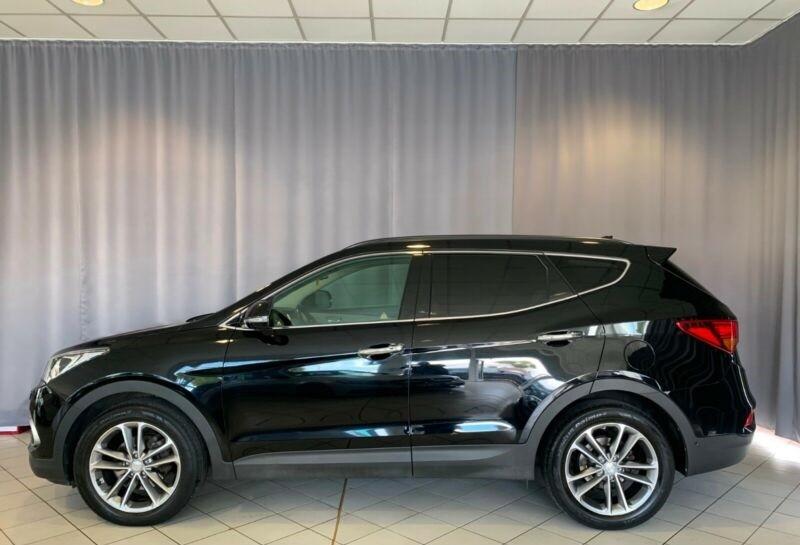Hyundai Santa Fe  200 CP   - 26490 €,   63300 km,  anul 2016,  culoare negru