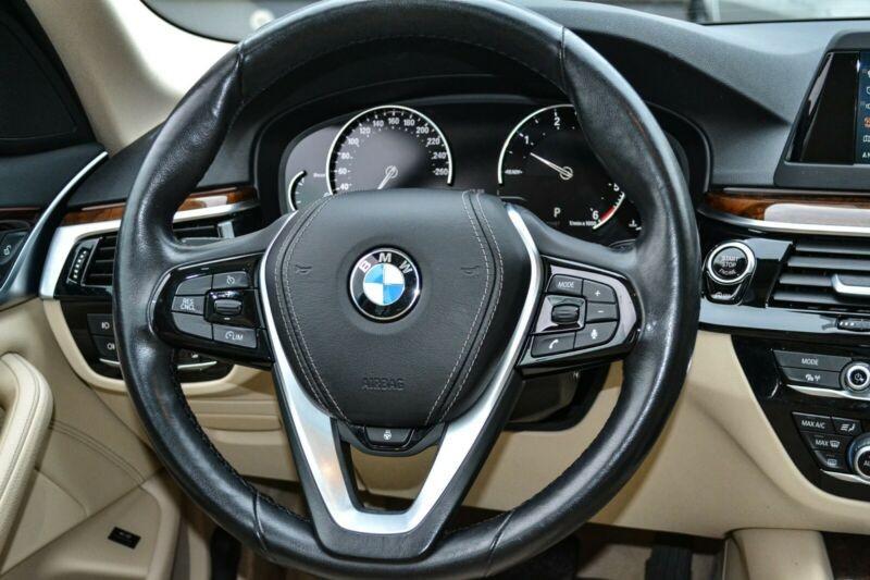 BMW 530  265 CP   - 35700 €,   89450 km,  anul 2017,  culoare negru