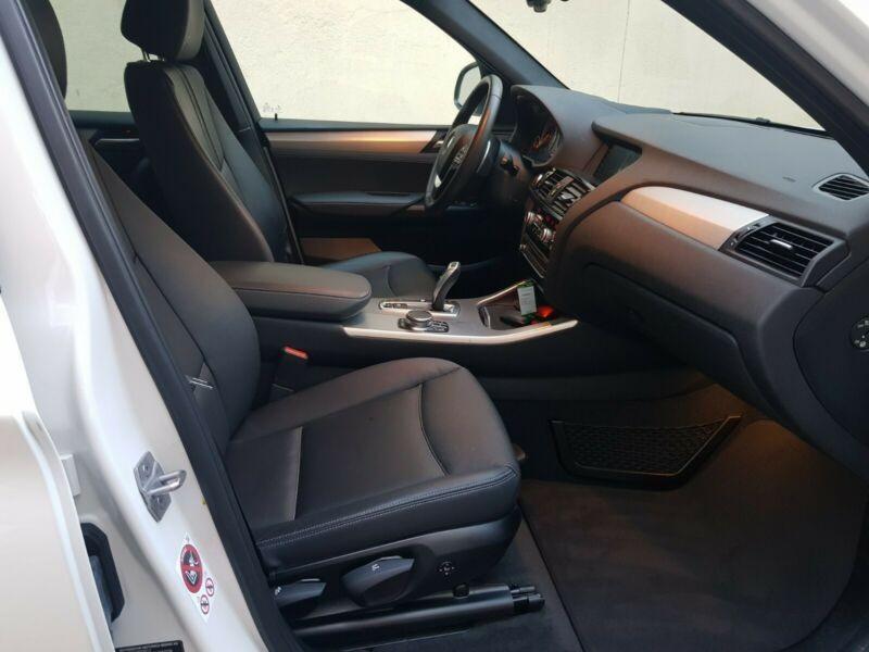 BMW X3  190 CP   - 29200 €,   106490 km,  anul 2017,  culoare alb