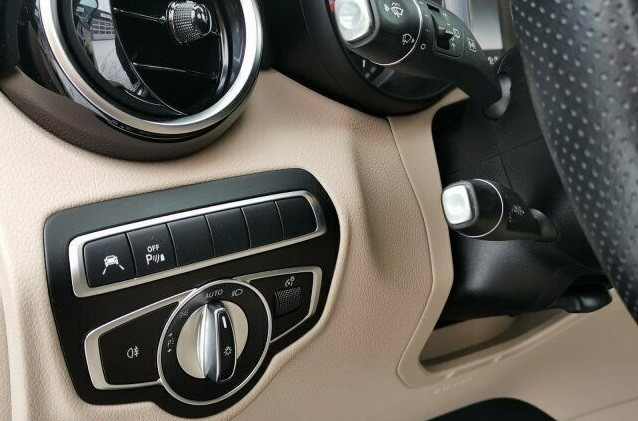 Mercedes Benz GLC  170 CP   - 39900 €,   46290 km,  anul 2018,  culoare negru