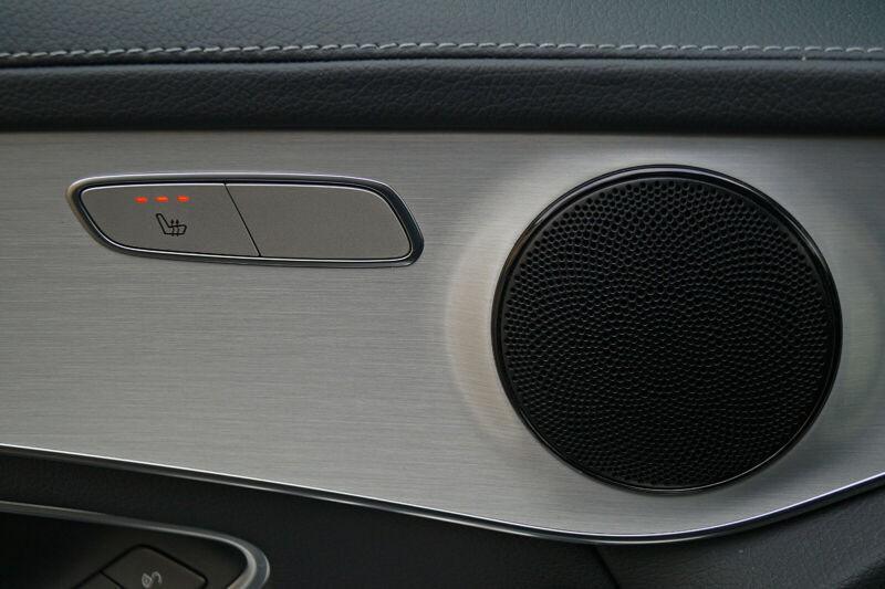 Mercedes Benz GLC  170 CP   - 27240 €,   149000 km,  anul 2016,  culoare gri