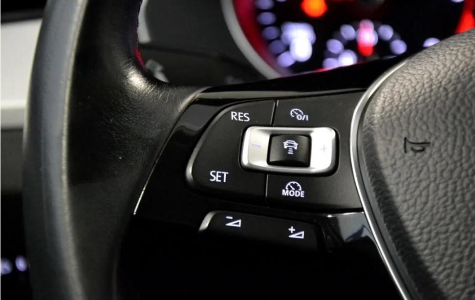 Volkswagen Passat  150 CP   - 16490 €,   94990 km,  anul 2016,  culoare negru