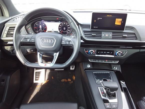 Audi Q5  190 CP   - 37990 €,   69900 km,  anul 2019,  culoare negru