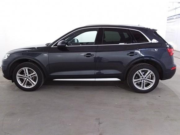 Audi Q5  190 CP   - 38900 €,   77200 km,  anul 2018,  culoare alb