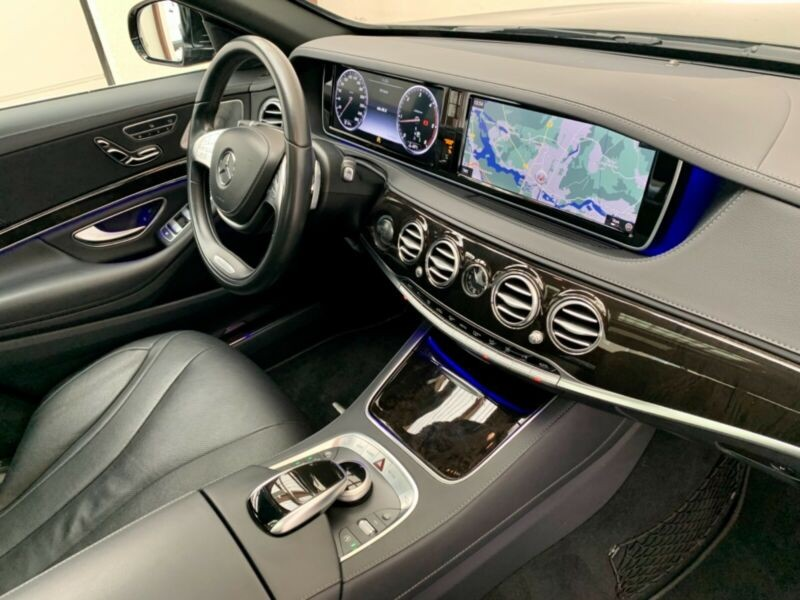 Mercedes Benz S  258 CP   - 51500 €,   78690 km,  anul 2017,  culoare negru