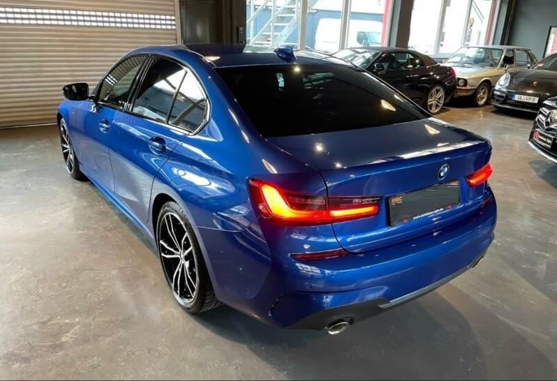 BMW 320  190 CP   - 39200 €,   58990 km,  anul 2019,  culoare albastru