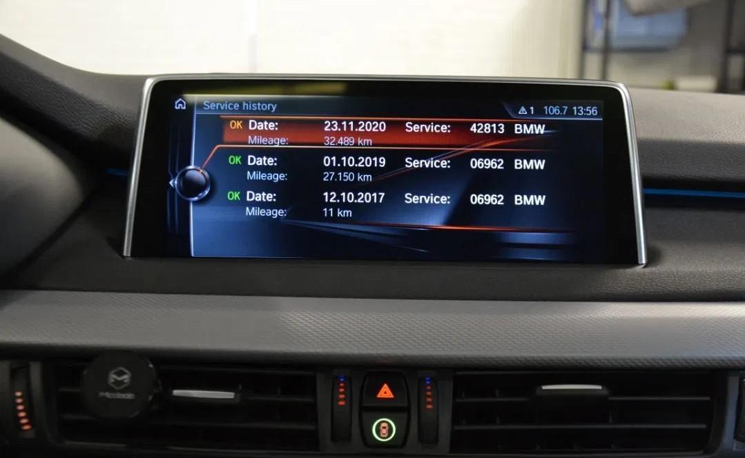 BMW X5M 50d  381 CP   - 43500 €,   33250 km,  anul 2017,  culoare argintiu
